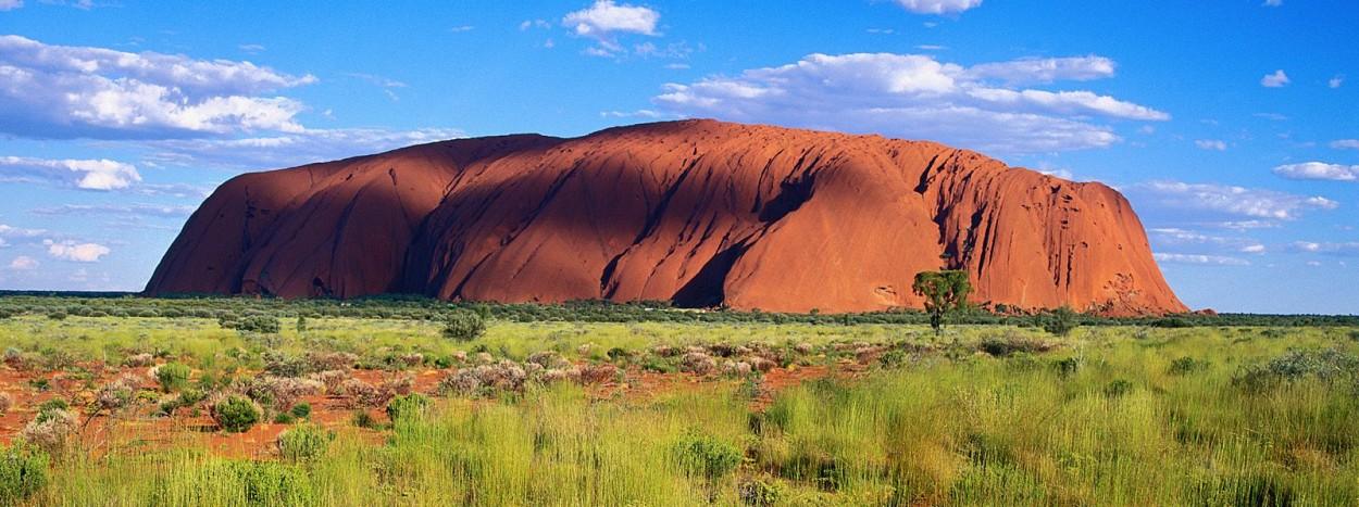 http://www.planete-australie.com/wp-content/uploads/2012/09/Australie-Centre-Rouge-Ayers-Rock-1250x467.jpg
