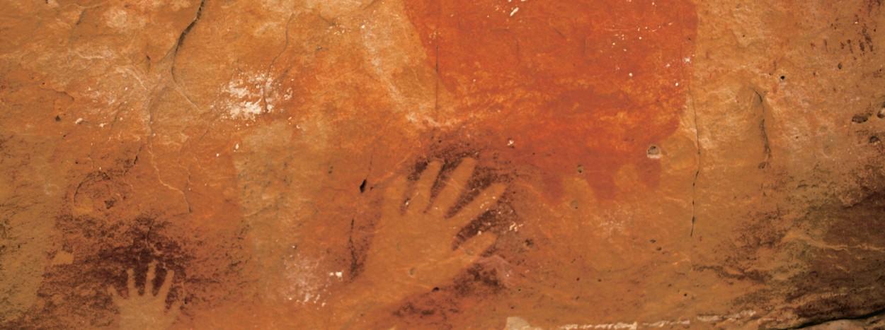 http://www.planete-australie.com/wp-content/uploads/2012/09/Australie-Peintures-Aborigenes-1250x467.jpg